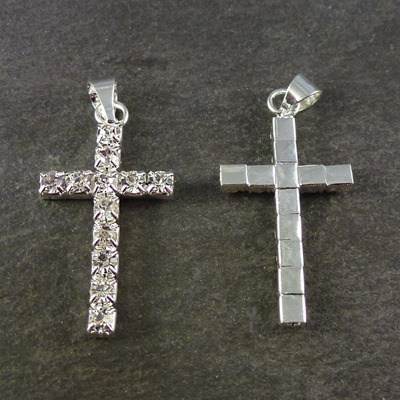 3cm crystal effect cross with silver metal base