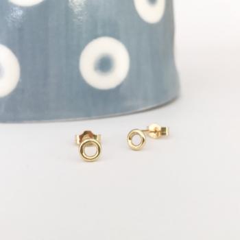 9ct yellow gold circle stud earrings