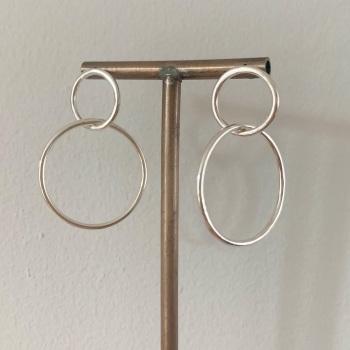 Double circle drop earrings