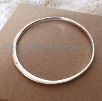 Contour silver bangle