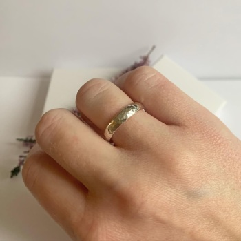 Hammered finish silver ring size M