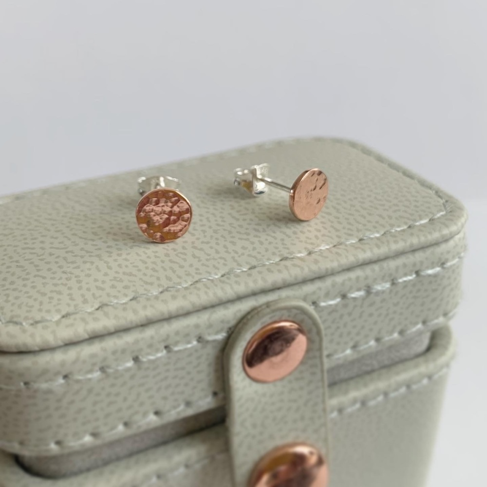 Small copper hammered disc stud earrings