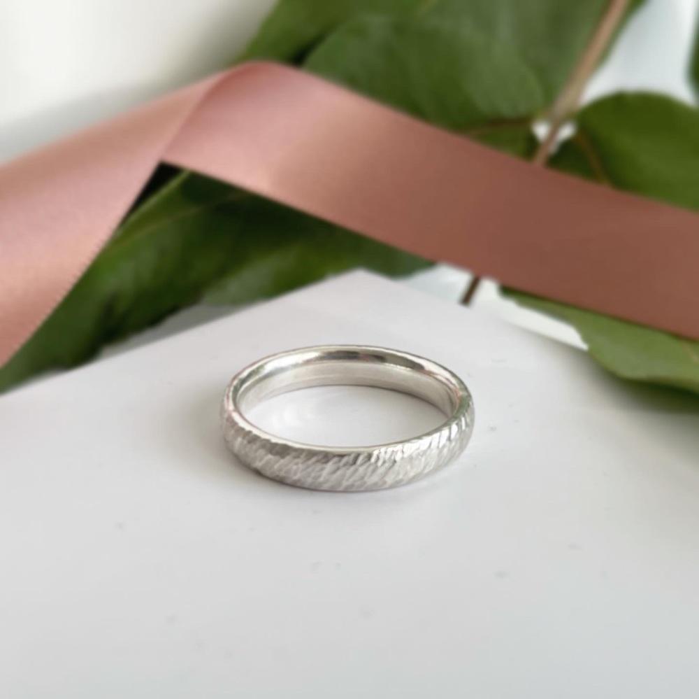 Drift textured chunky ring
