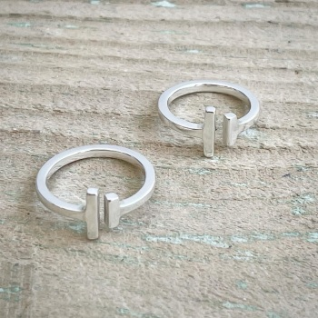 Double bar ring in silver