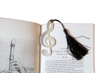 Clef bookmark - Silver coloured with tassle