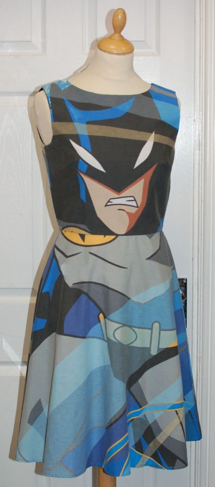 BATMAN ANIMATED SERIES DRESS SIZE 6-8