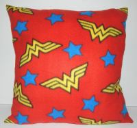 WONDER WOMAN LOGO COSY CUSHION