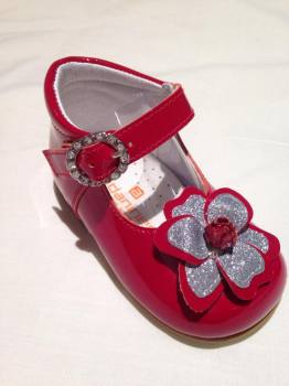 CLEARANCE PRICE NOW ONLY £25 Girls Andanines Red Patent Shoes