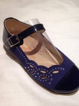 Girls Andanines Navy Patent and Suede Shoes.