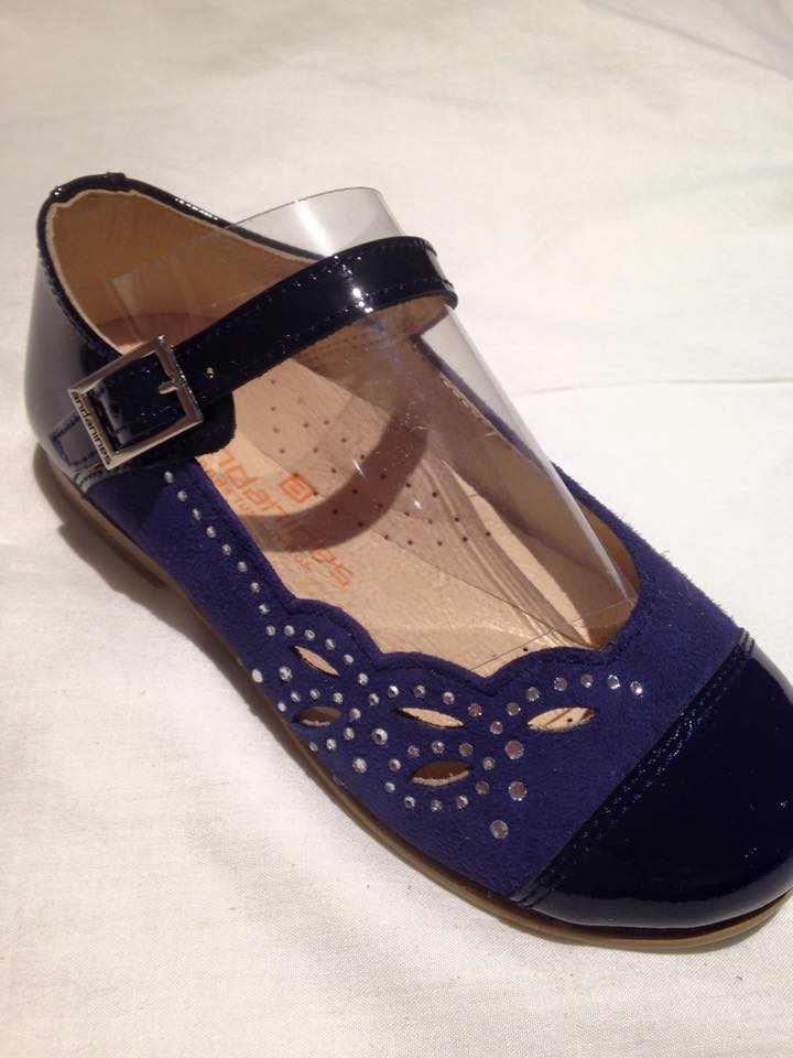 Girls Andanines Navy Patent and Suede Shoes