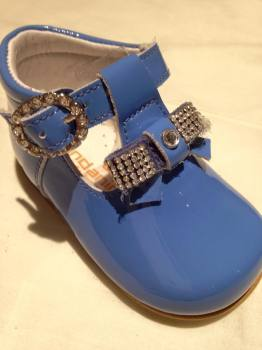 CLEARANCE PRICE NOW ONLY £25 Girls Andanines Blue Patent Shoes