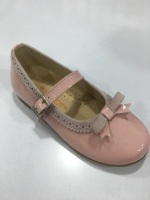 Girls Andanines Pink Patent Shoes.
