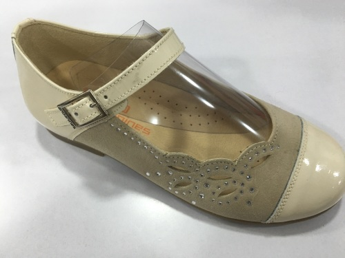 Girls Andanines Beige Patent and Suede Shoes
