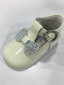 Girls Andanines Soft Sole Shoes 162890 - Cream