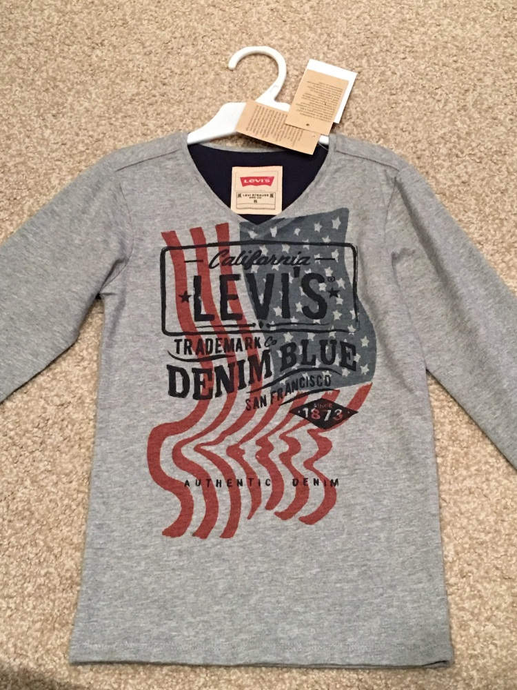 CLEARANCE PRICE Boys Levis Top ages 8,10 years
