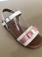 CLEARANCE PRICE NOW ONLY £25 Girls Andanines Sandals White and Pink
