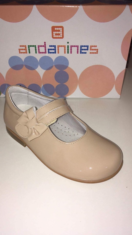 Girls Andanines Camel Patent Shoes