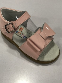 CLEARANCE PRICE NOW ONLY £25 Girls Andanines Sandals Pink Patent
