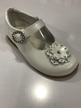 Girls Andanines White Pearl Patent Shoes