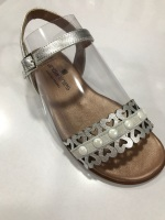 CLEARANCE PRICE NOW ONLY £25 Girls Andanines Sandals Silver