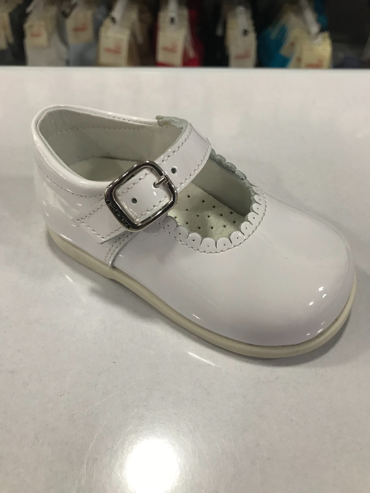 Girls Andanines White Patent Mary Jane Shoes with Rubber Soles