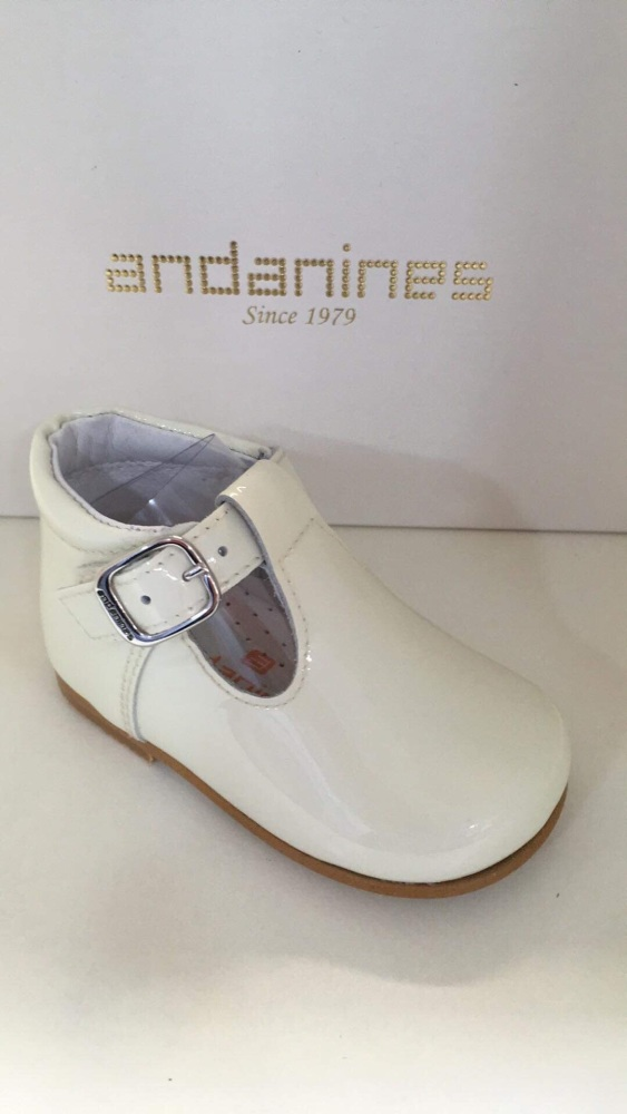 Boys Andanines Cream Patent Shoes