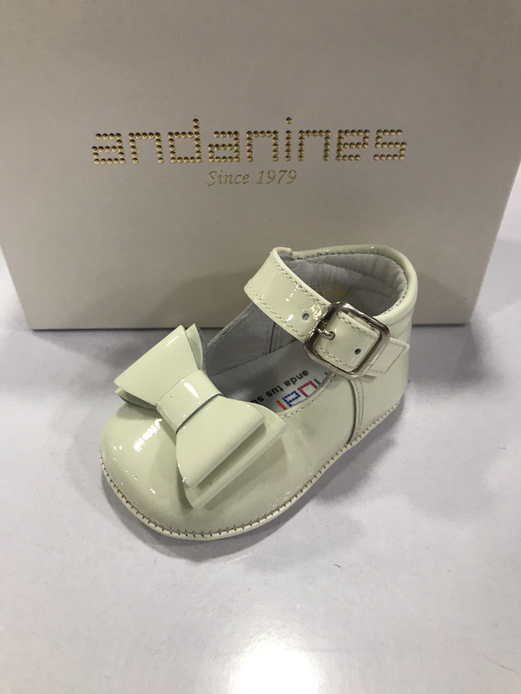 Girls Andanines Soft Sole Shoes - Cream