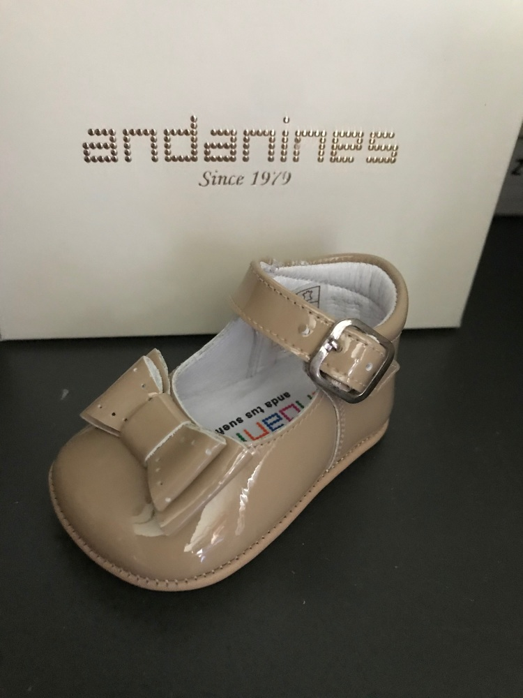Girls Andanines Soft Sole Shoes - Camel 182887