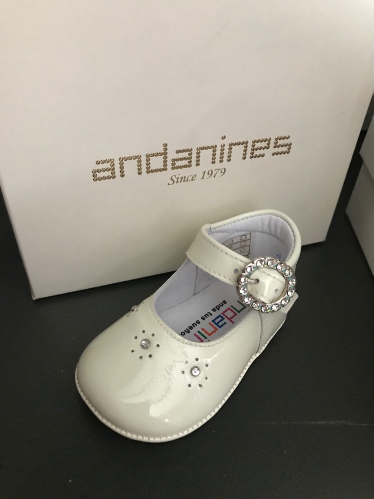 Girls Andanines Soft Sole Shoes - Cream 191800