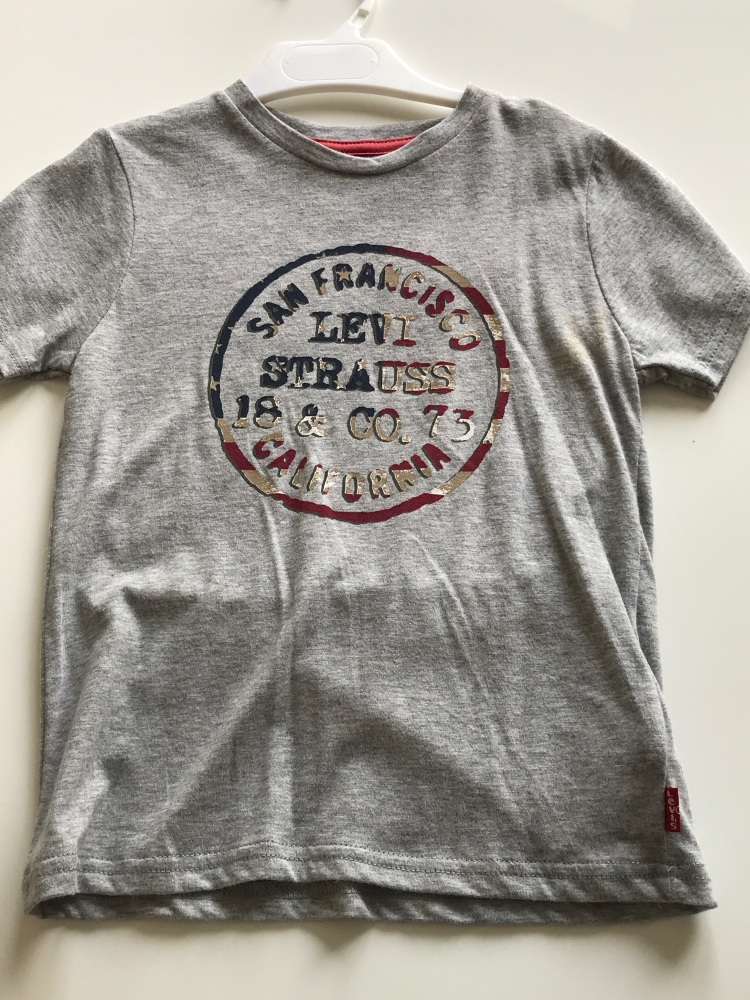 CLEARANCE PRICE Boys Levi's Tshirt  Age 4 years
