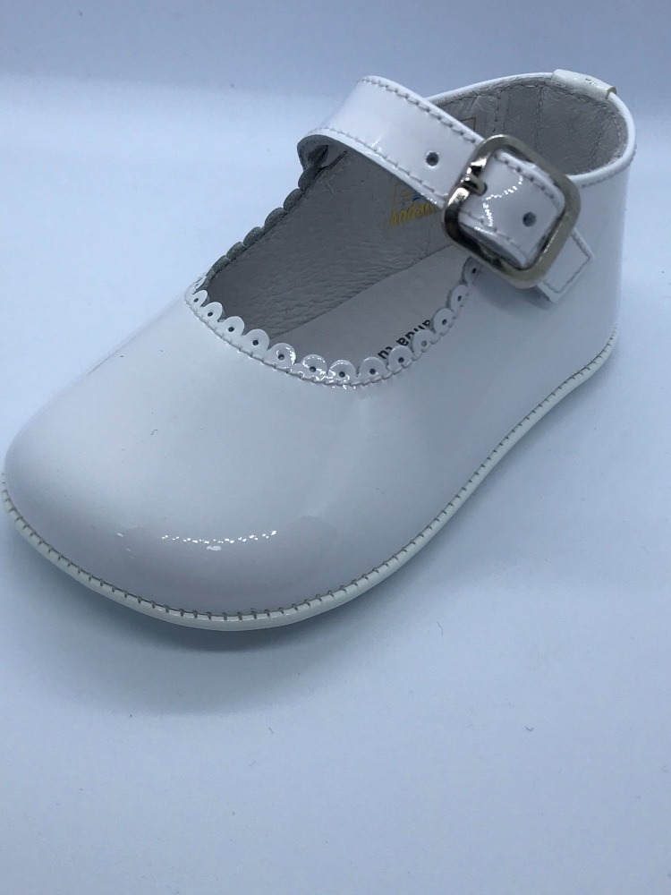 Girls Andanines Soft Sole Shoes 172901 - White