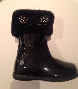 CLEARANCE PRICE NOW ONLY £30 Girls Andanines Black Patent Boots