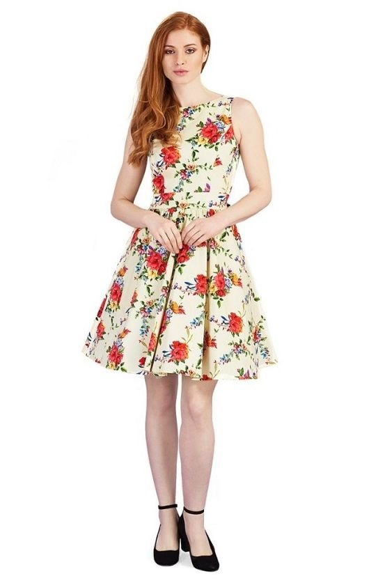 Lady vintage poppy on peach tea dress