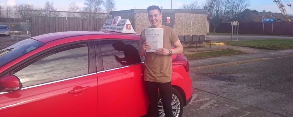 Liam Cox took his driving lessons and passes his test in Grimsby with 21st Century Driving
