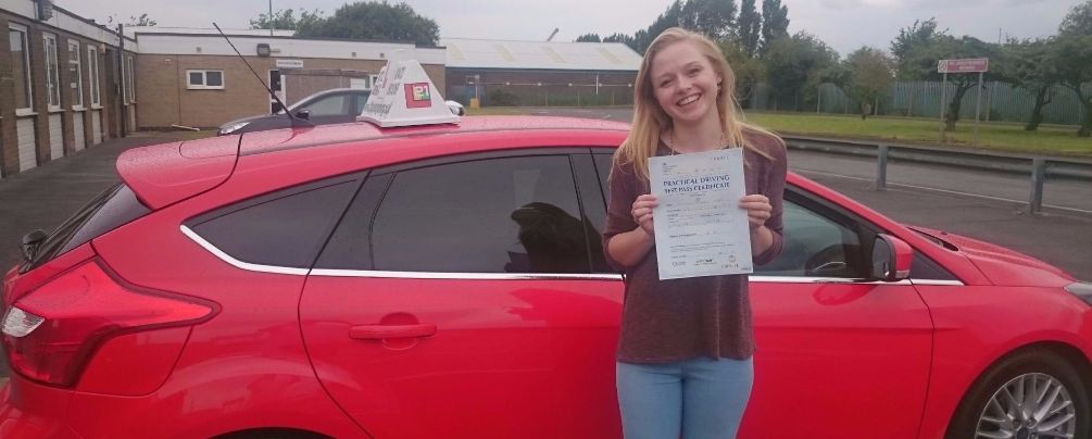 Nadine Amin took her driving lessons and passes her test in Grimsby with 21st Century Driving
