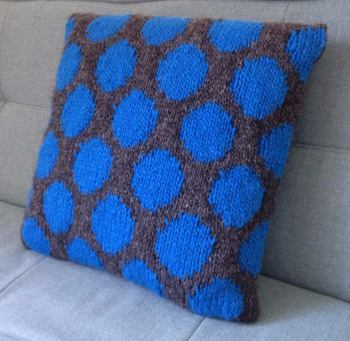 250 x 250 cushion spot blue