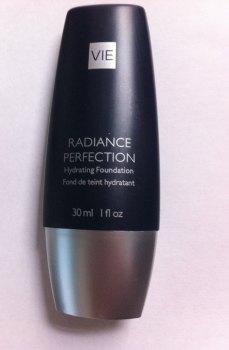 Vie Radiance Perfection Hydrating Foundation - Ivory