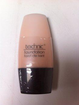 Technic Foundation Medium