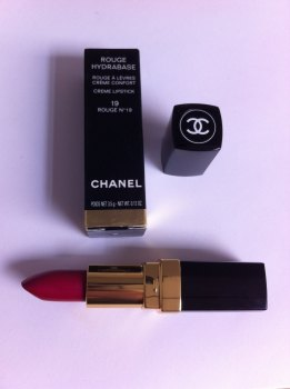 Chanel Rouge Hydrabase Creme Lipstick - 19 Rouge