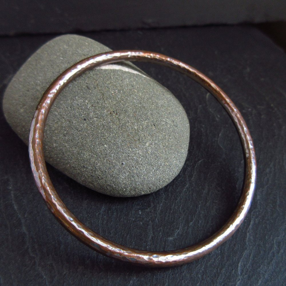 Hammered Texture Round Copper Bangle