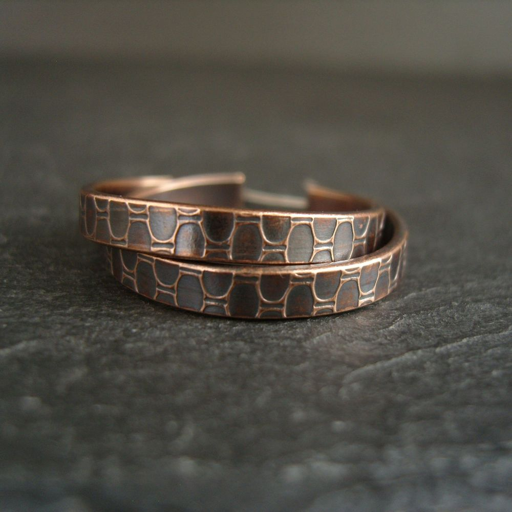 Bronze Hoop Earrings with Oval Pattern {S}