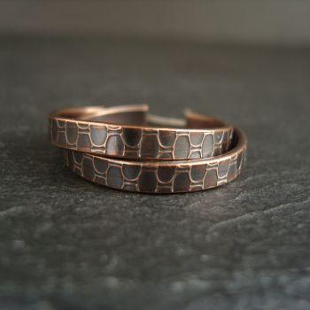 Bronze Hoop Earrings with Oval Pattern {S}