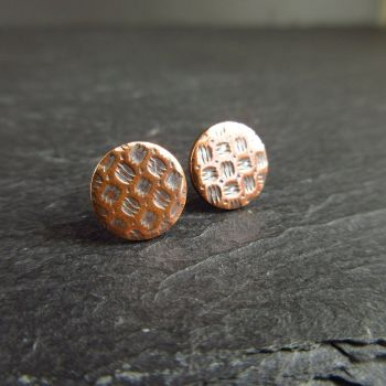 "Flat Round Copper Stud Earrings with Embossed ""Floor"" Pattern"