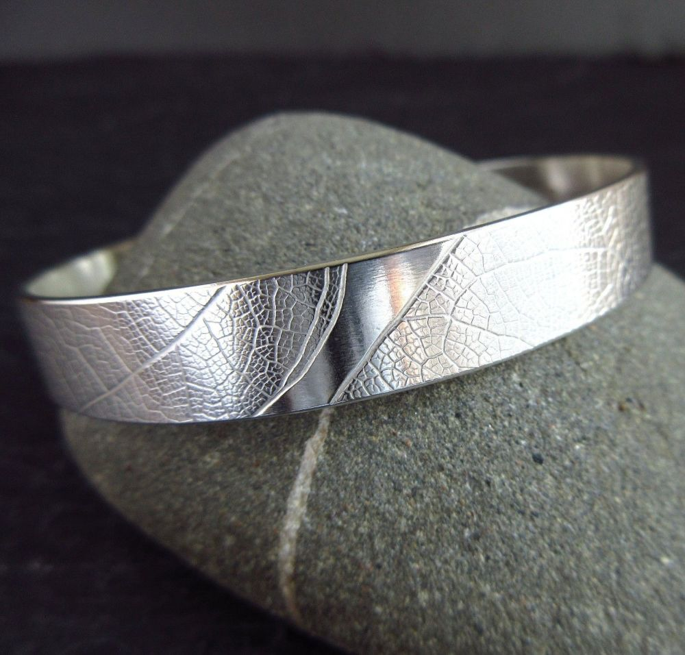 Ladies Sterling Silver Bangle with Leaf Vein Texture Medium Size