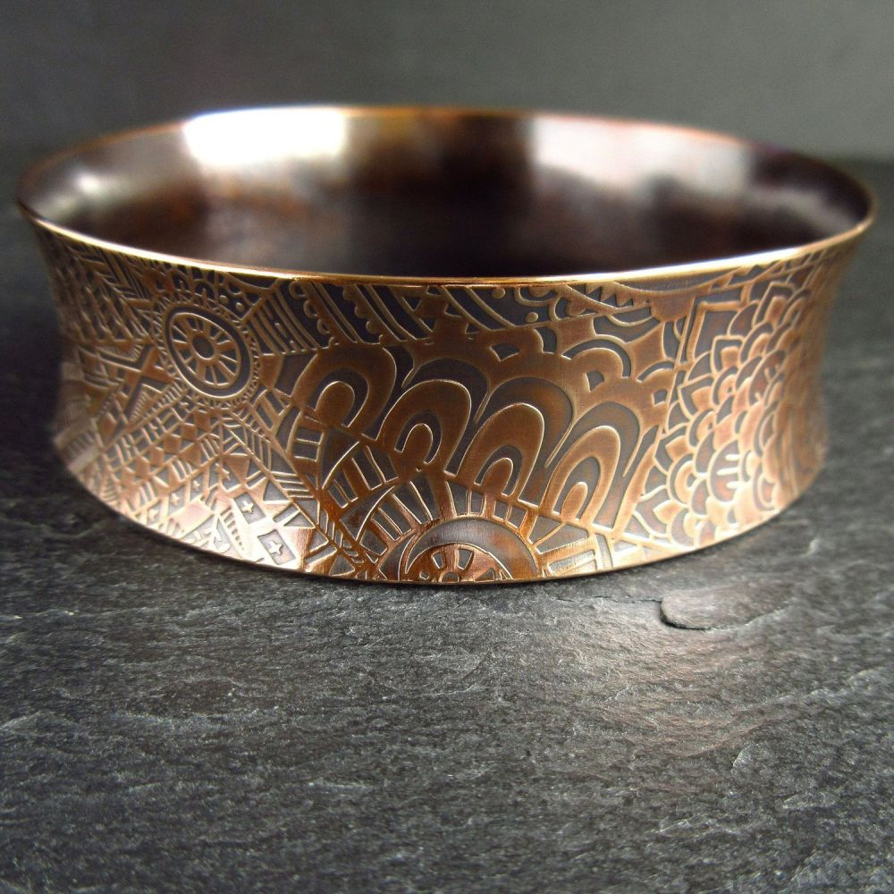 Real Bronze Curved Bangle with Doodle Pattern