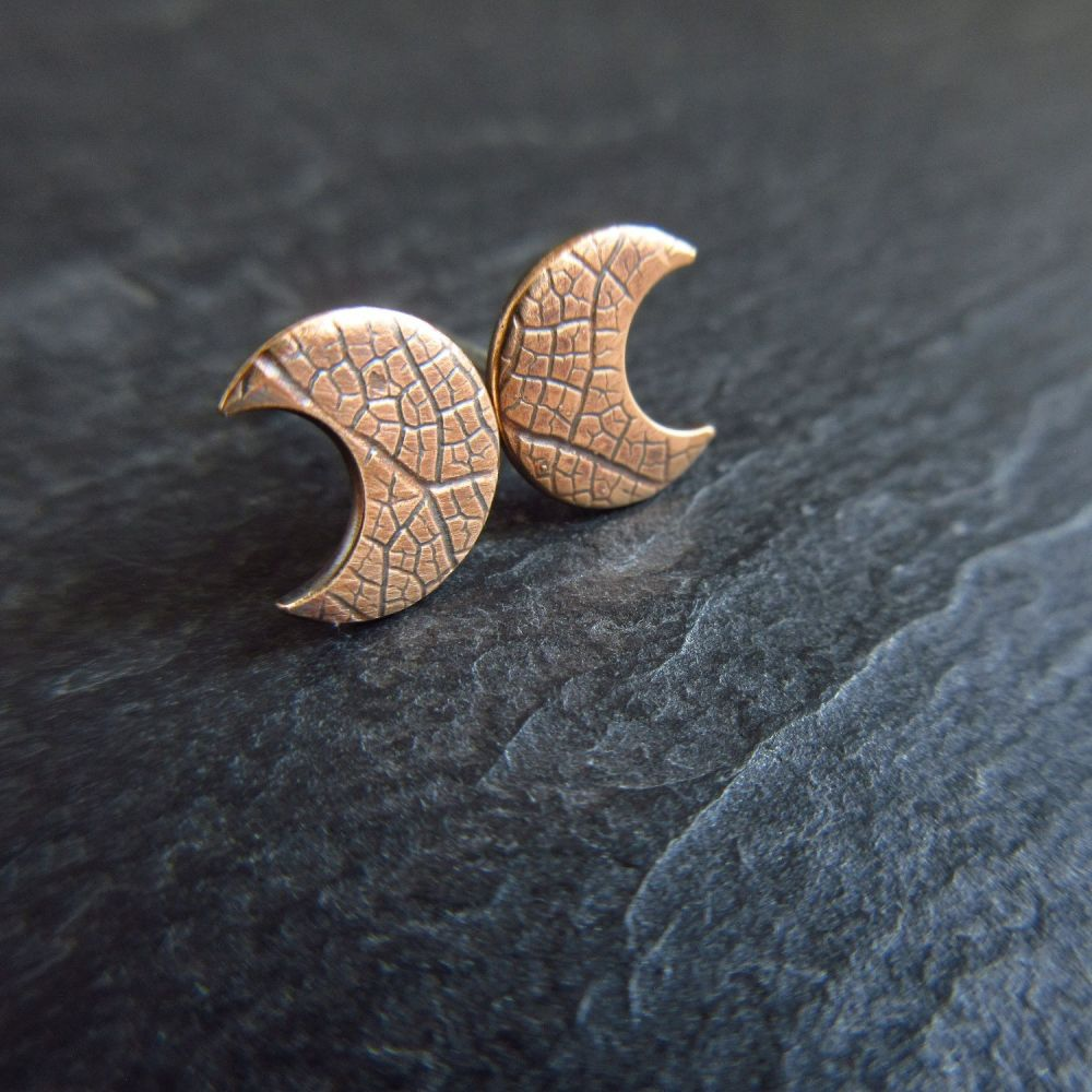 Bronze Crescent Moon Shape Stud Earrings with Leaf Vein Texture