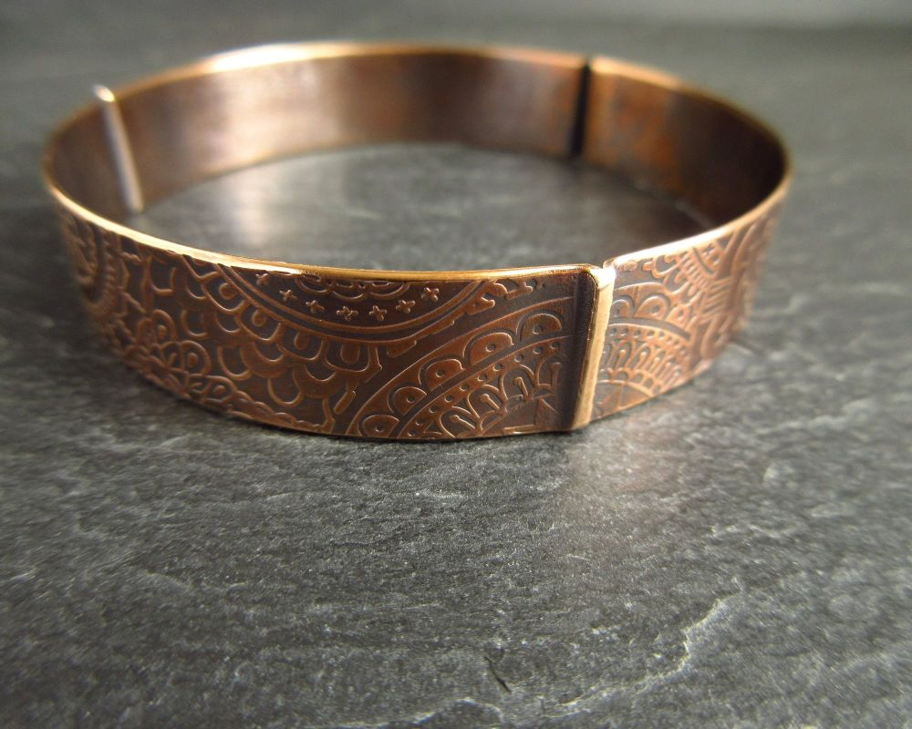 Ladies Bronze Bangle with Doodle Pattern and 3 Fold Design