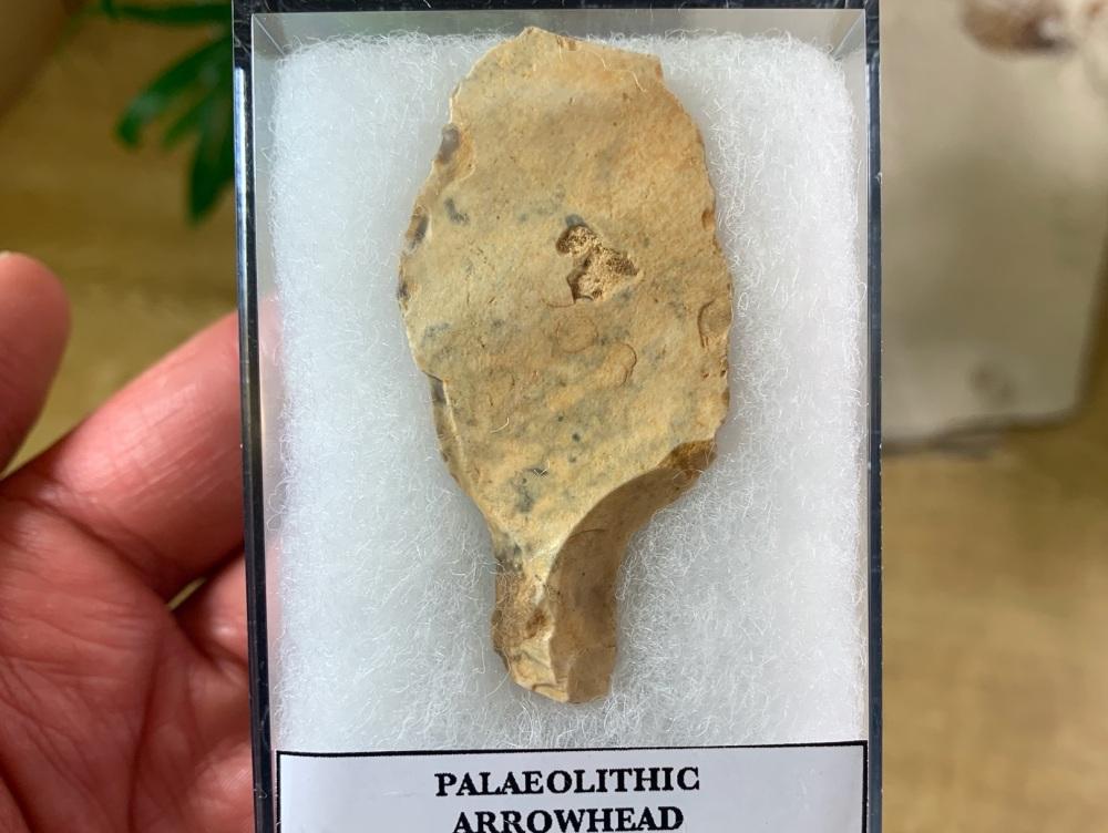 Paleolithic Arrowhead, Sahara (70,000 BP) #04
