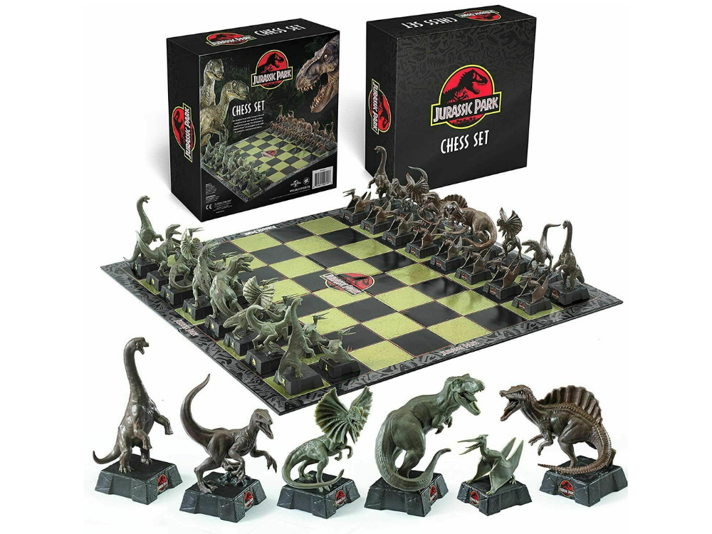 Jurassic Park Chess Set (The Noble Collection)