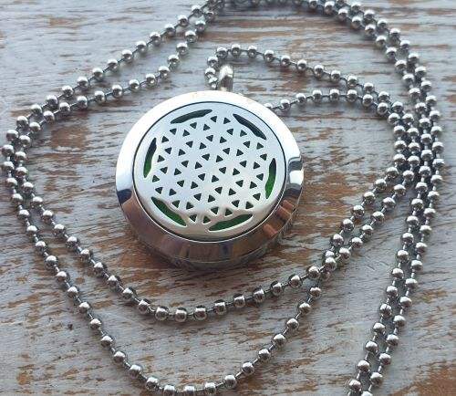 Flower Of Life Aromatherapy Diffuser Necklace